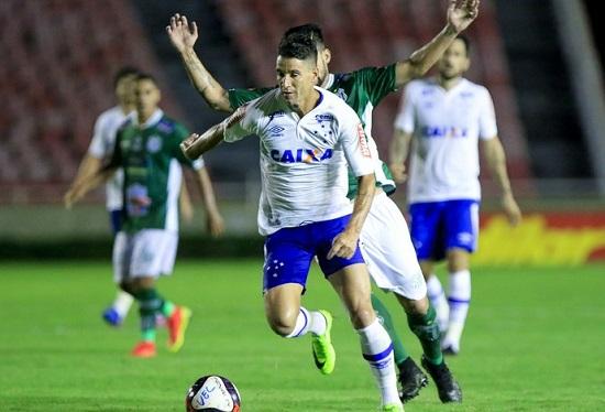 Thiago Neves se diz contente por atingir marca individual vestindo a camisa  do Cruzeiro (Foto  Cruzeiro Divugação) 88fbff6c76973