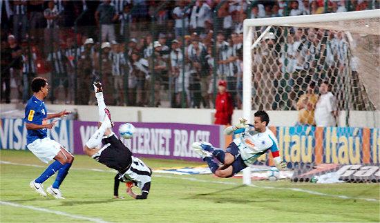 P*** Que Pariu! É o melhor goleiro do Brasil!